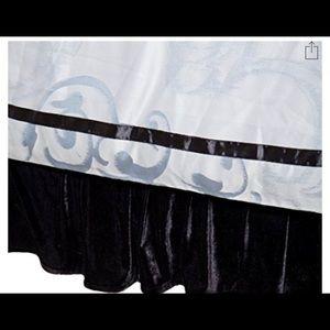 English Laundry California King Bed Skirt 72x84x14